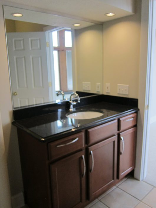 Peninsula unit 303 bathroom